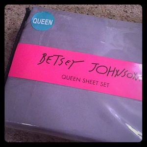 QUEEN BETSEY JOHNSON SHEET SET